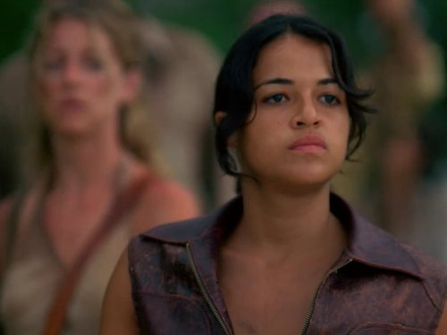 Michelle Rodriguez and Cynthia Watros in Lost (2004)
