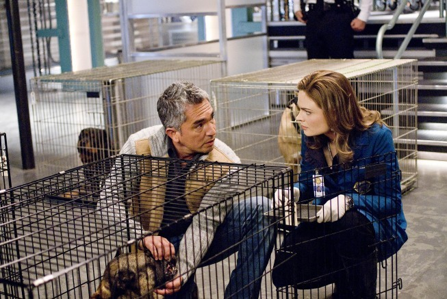Emily Deschanel and Cesar Millan in Bones (2005)