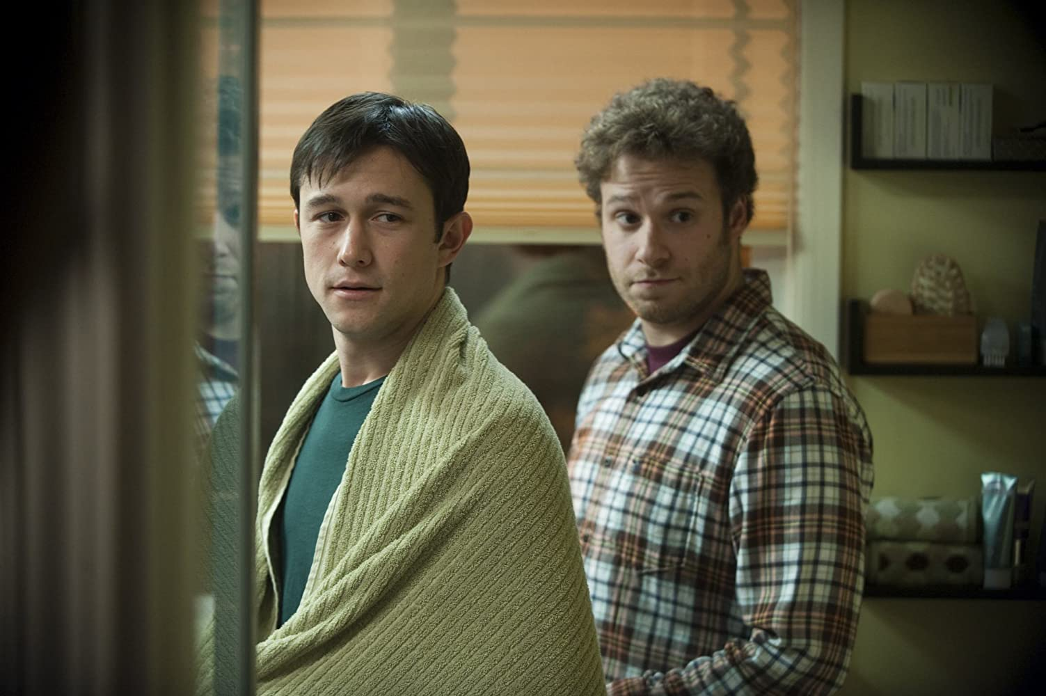 Joseph Gordon-Levitt and Seth Rogen in 50/50 (2011)