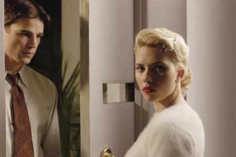 Josh Hartnett and Scarlett Johansson in The Black Dahlia (2006)