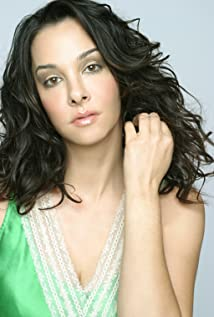 Daniela Amavia Picture