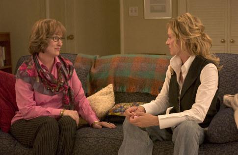 Uma Thurman and Meryl Streep in Prime (2005)