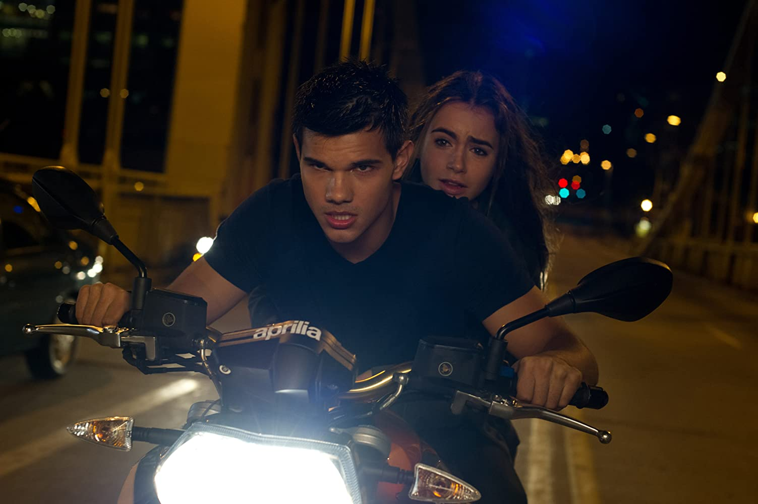 Taylor Lautner and Lily Collins in Abduction (2011)