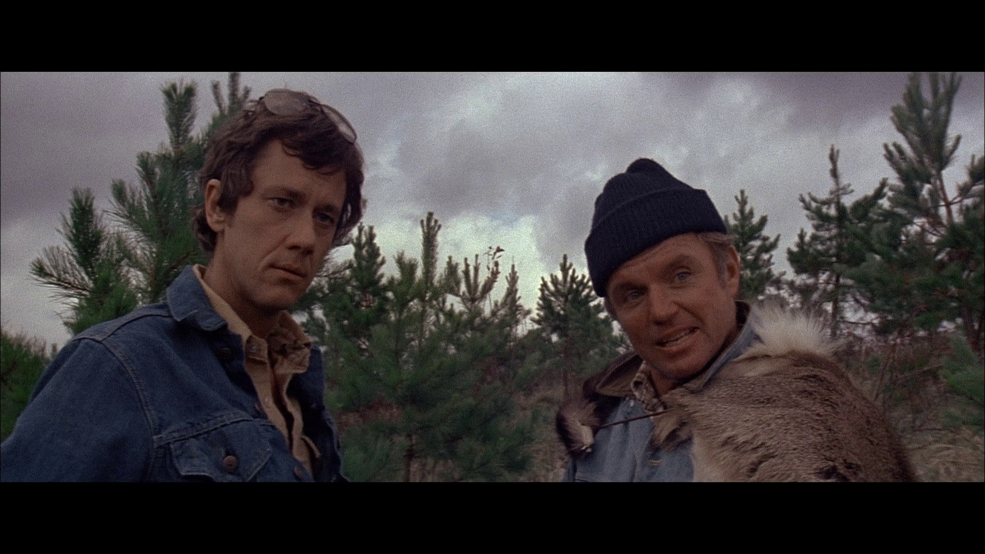 Richard Jaeckel and Andrew Prine in Grizzly (1976)