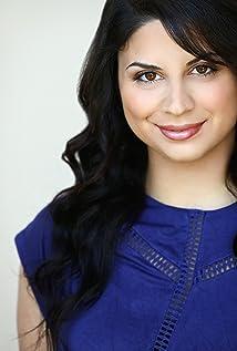 Melanie Manooki Picture