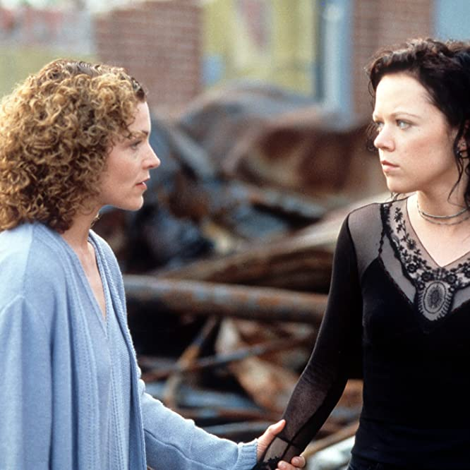 Amy Irving and Emily Bergl in The Rage: Carrie 2 (1999)