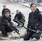 Evan Ross, Jennifer Lawrence, Liam Hemsworth, and Sam Claflin in The Hunger Games: Mockingjay - Part 2 (2015)