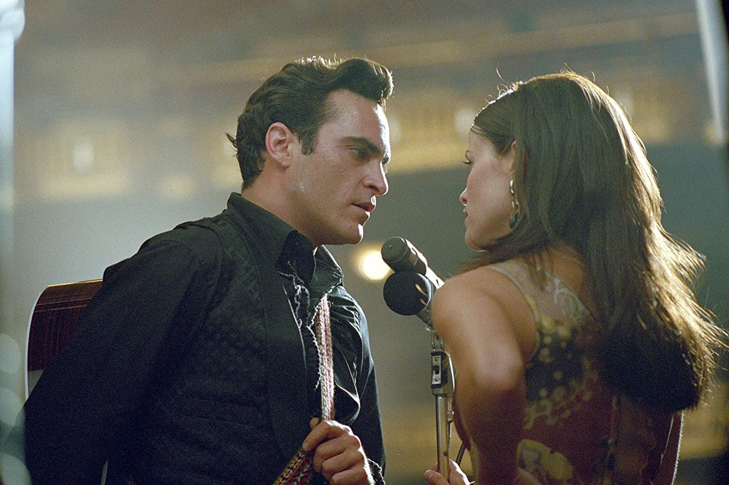 Reese Witherspoon and Joaquin Phoenix in Walk the Line (2005)