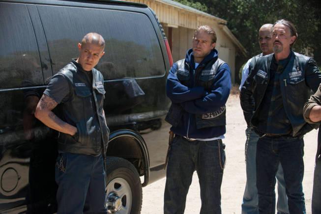 Walton Goggins' Venus Van Dam Returns To Charming On 'Sons
