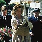 Maggie Smith, Paul Chequer, and Michael Williams in Un tè con Mussolini (1999)