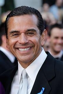 Antonio Villaraigosa Picture