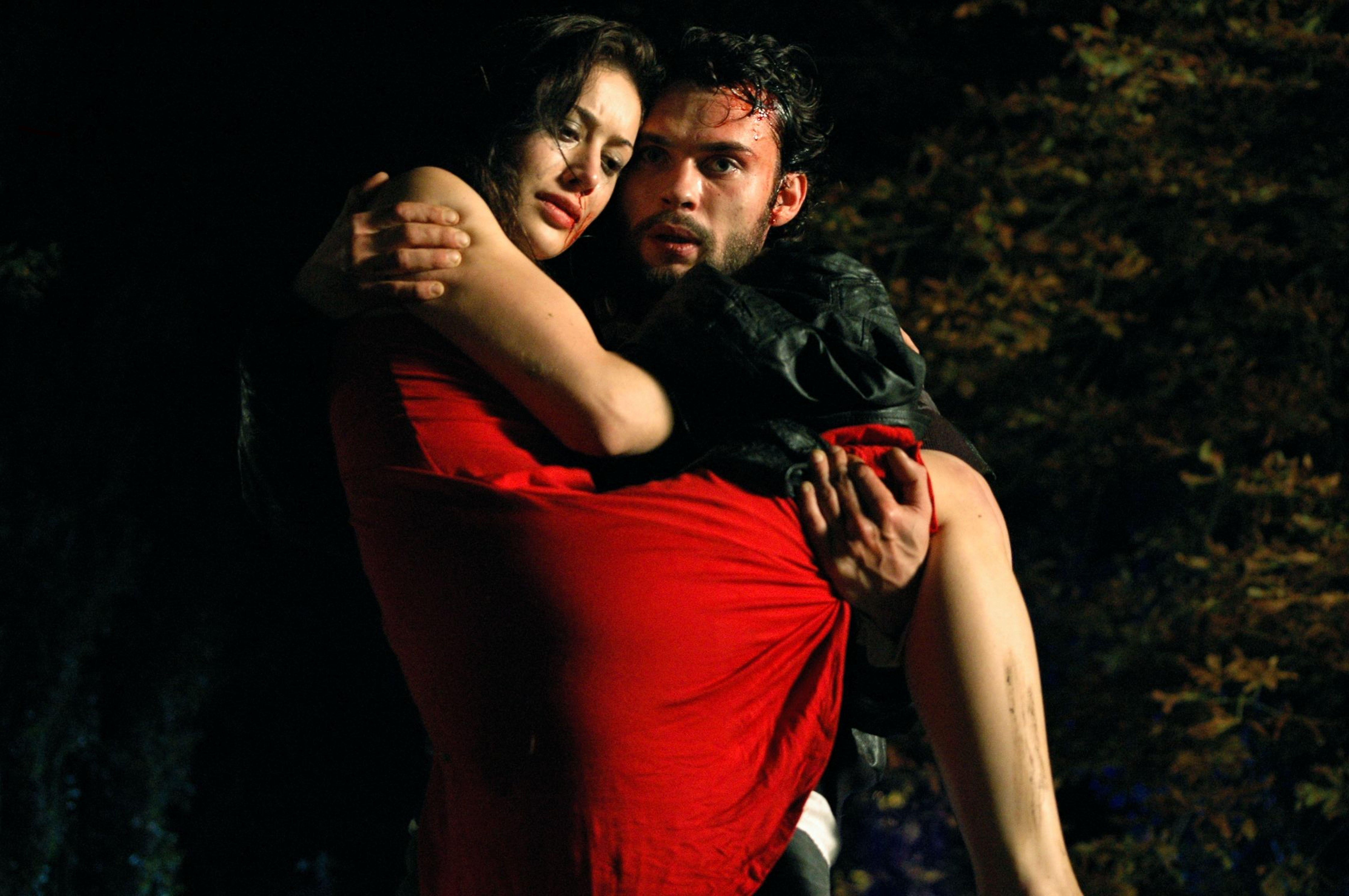 Robinson Stévenin and Fanny Valette in Sur ta joue ennemie (2008)