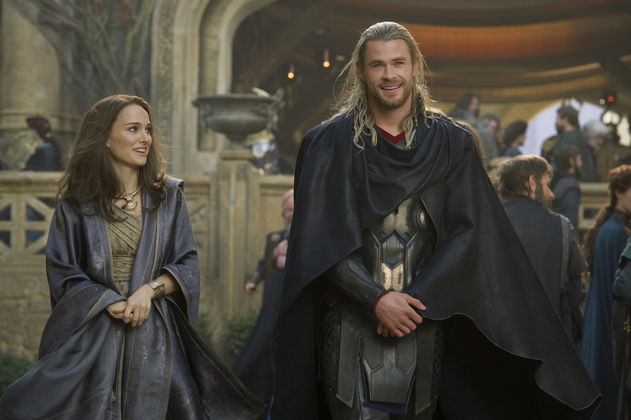 Natalie Portman and Chris Hemsworth in Thor: The Dark World (2013)