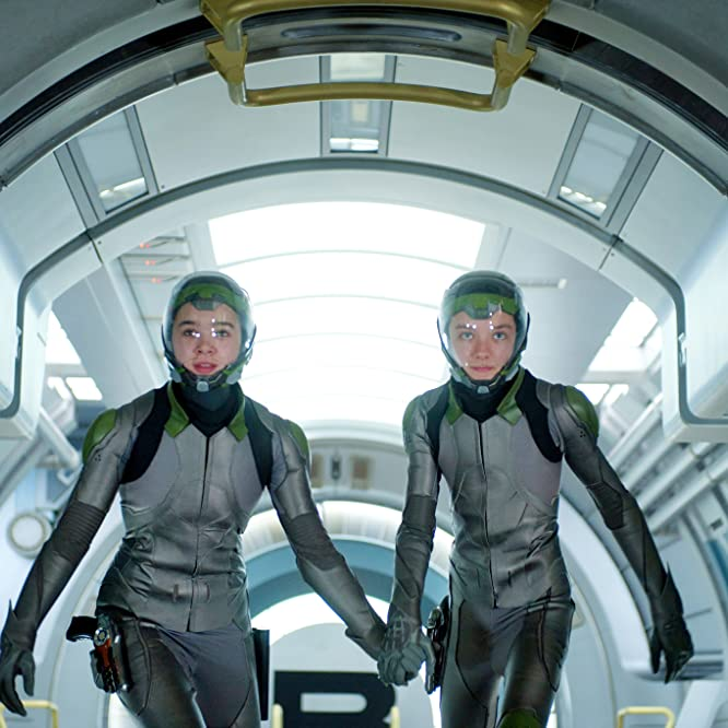 Asa Butterfield and Hailee Steinfeld in Ender's Game (2013)