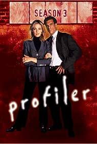 Robert Davi and Ally Walker in Profiler (1996)