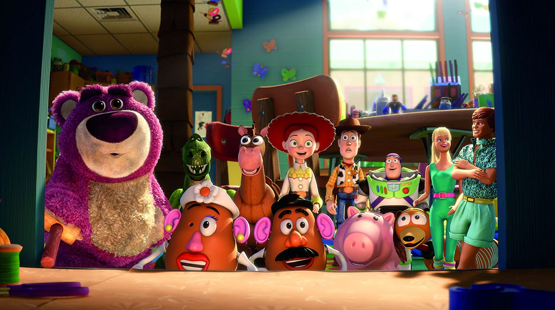 Tom Hanks, Joan Cusack, Michael Keaton, Tim Allen, Ned Beatty, John Ratzenberger, Wallace Shawn, Jodi Benson, Blake Clark, Estelle Harris, and Don Rickles in Toy Story 3 (2010)