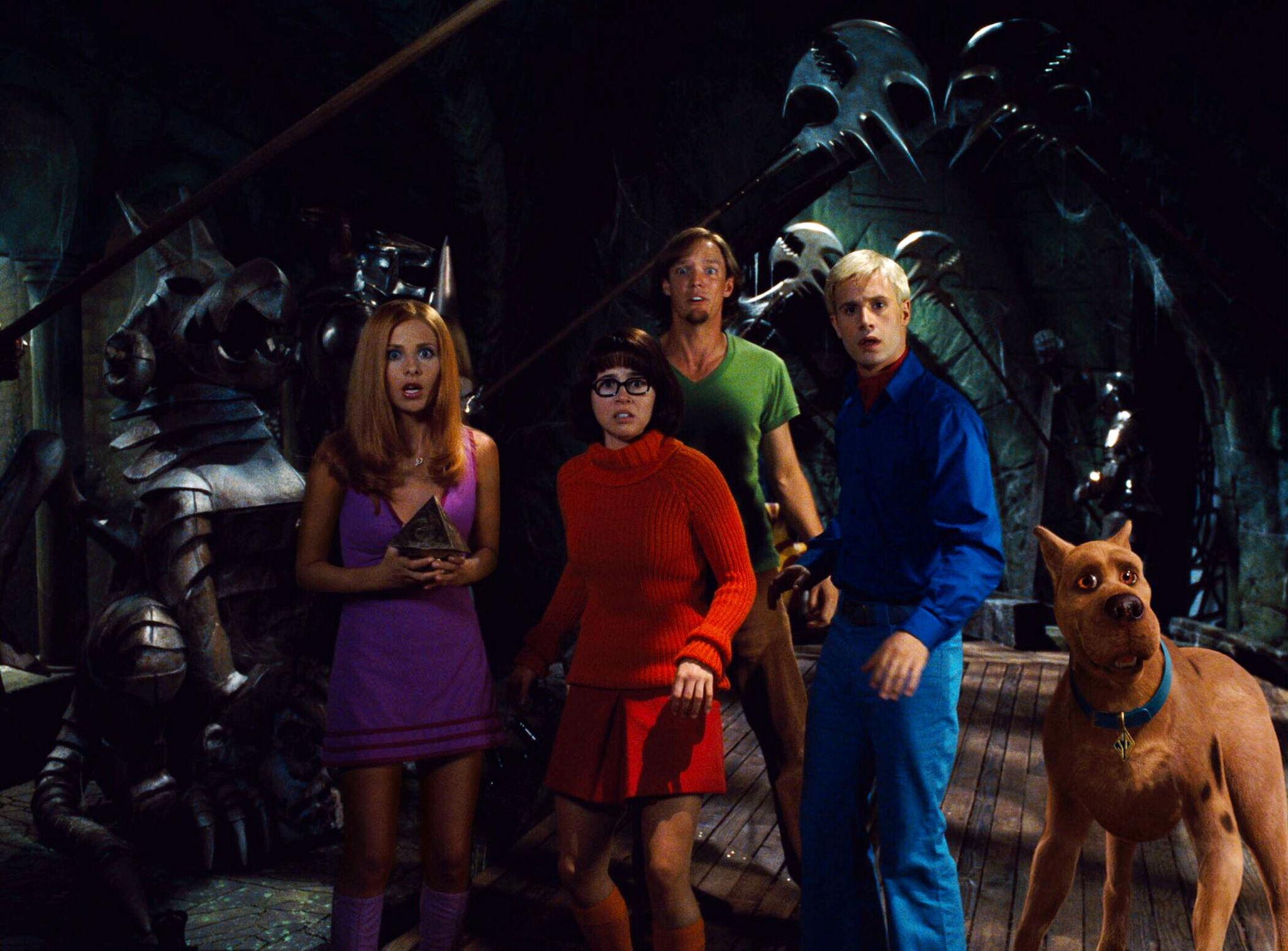 Matthew Lillard, Sarah Michelle Gellar, Linda Cardellini, Freddie Prinze Jr., and Neil Fanning in Scooby-Doo (2002)