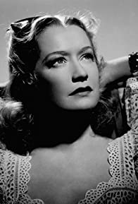 Primary photo for Miriam Hopkins
