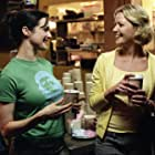 Gretchen Mol and Rachel Weisz in The Shape of Things (2003)