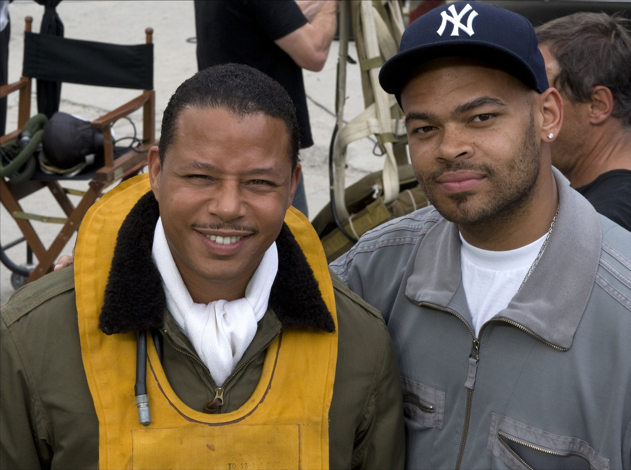 Terrence Howard and Anthony Hemingway in Red Tails (2012)