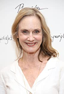 Lisa Emery Picture