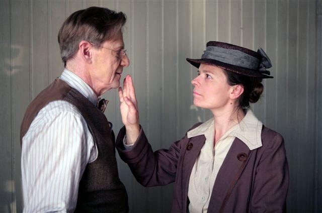 Jesper Christensen and Maria Heiskanen in Maria Larssons eviga ögonblick (2008)