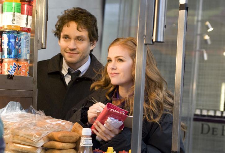 Hugh Dancy dan Isla Fisher dalam Confessions of a Shopaholic (2009)