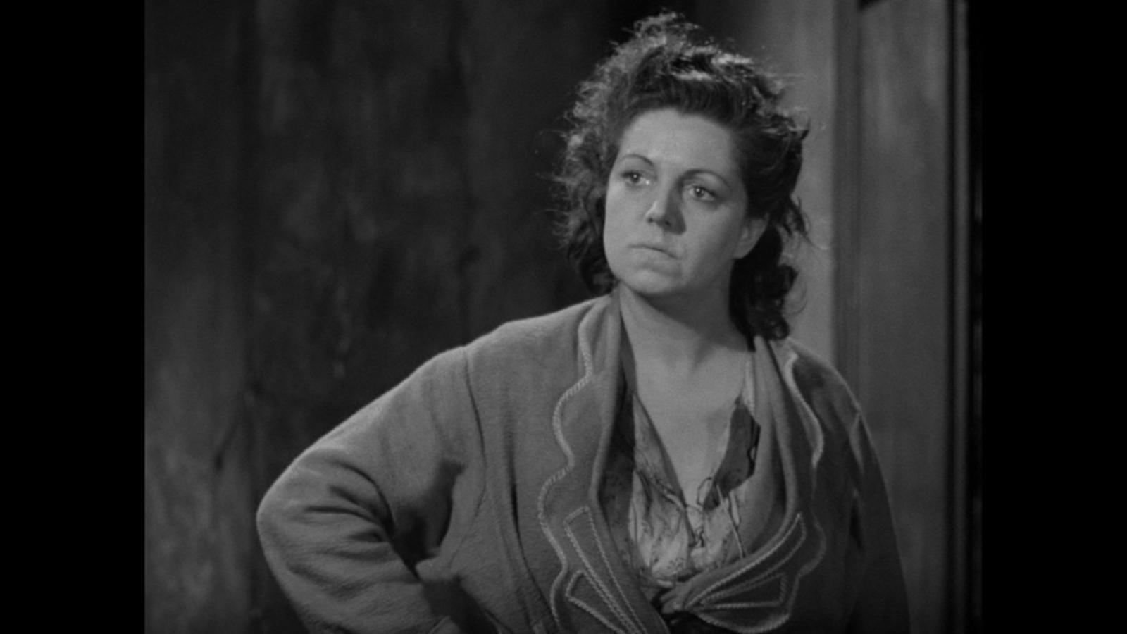 Hermione Baddeley in It Always Rains on Sunday (1947)