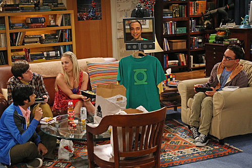 Kaley Cuoco, Johnny Galecki, Simon Helberg, Jim Parsons, and Kunal Nayyar in The Big Bang Theory (2007)