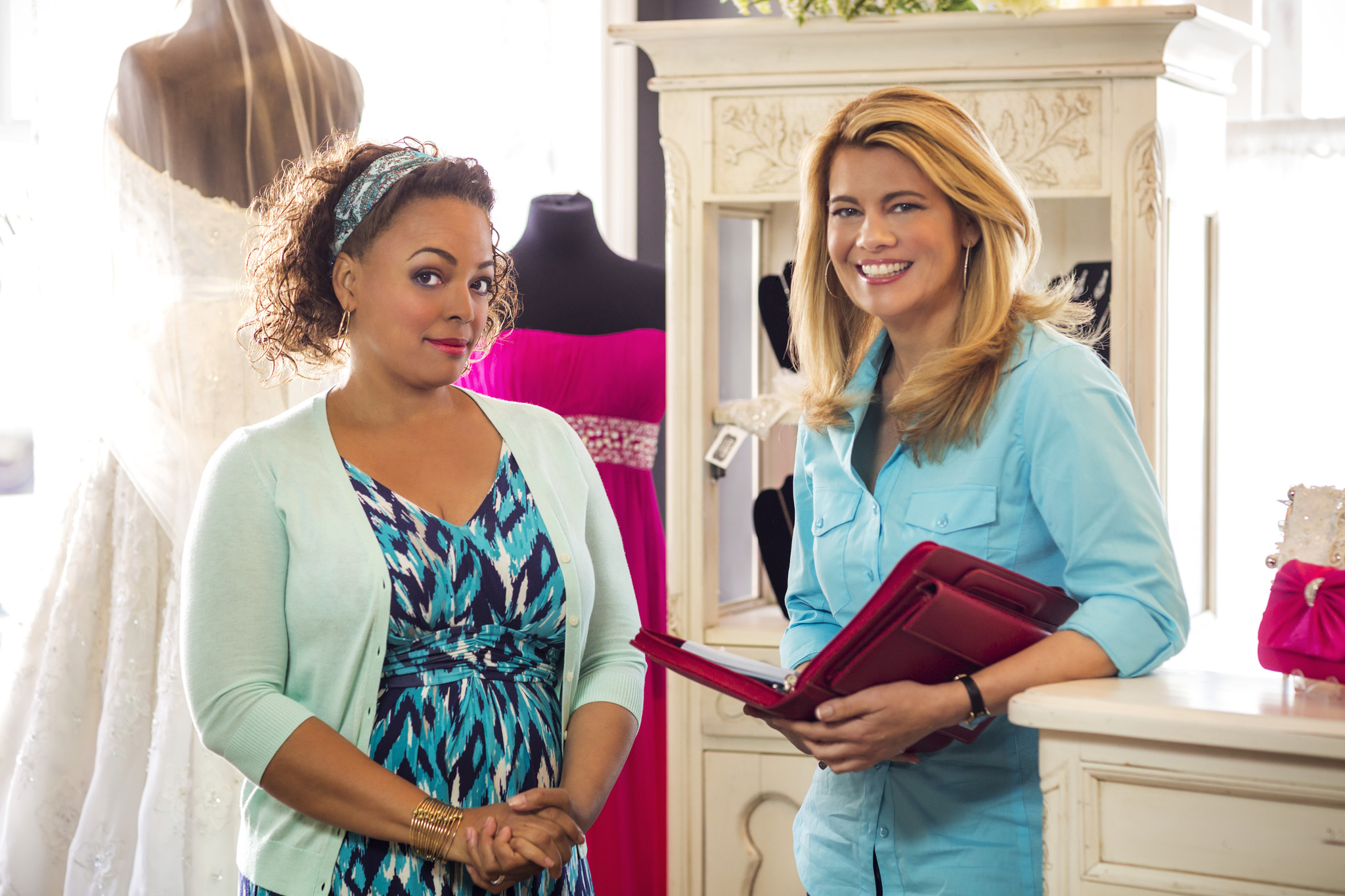 Kim Fields and Lisa Whelchel in For Better or for Worse (2014)