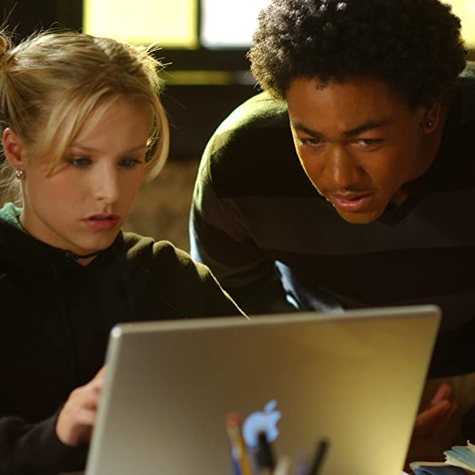 Kristen Bell and Percy Daggs III in Veronica Mars (2004)