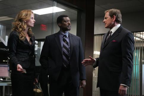 Victor Garber, Eamonn Walker, and Rebecca Mader in Justice (2006)