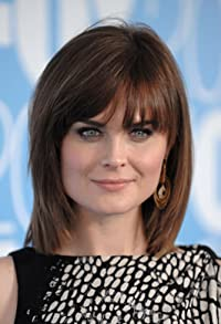 Primary photo for Emily Deschanel