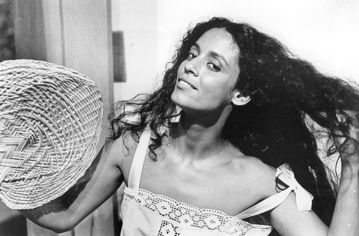 Sônia Braga in Gabriela, Cravo e Canela (1983)