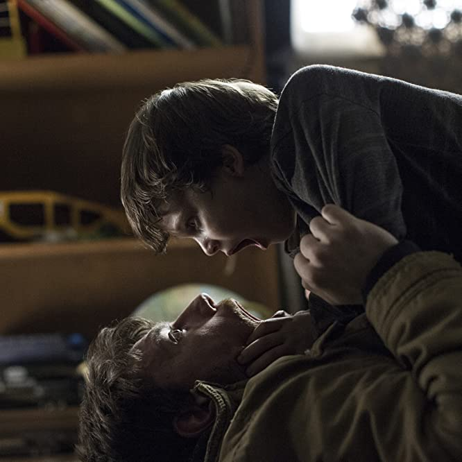 Patrick Fugit and Gabriel Bateman in Outcast (2016)