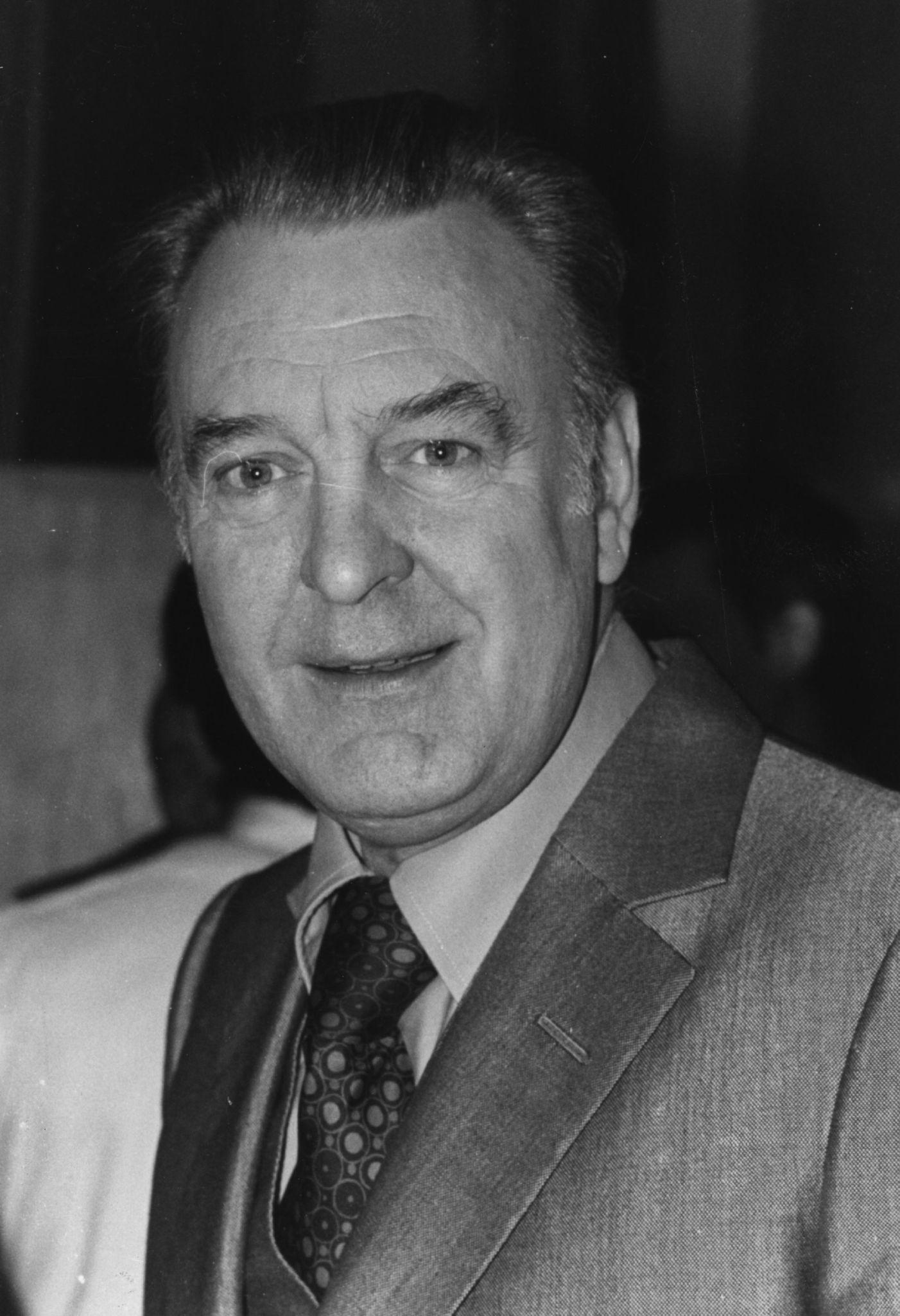 Donald Sinden (1923?014)