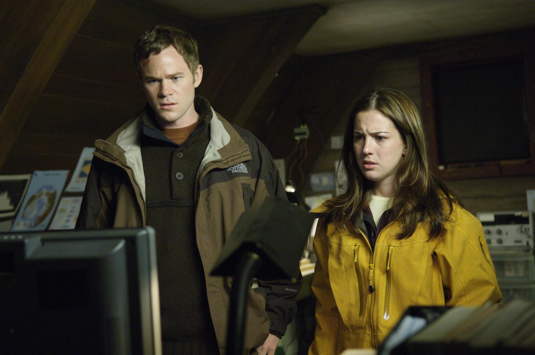 Aaron Ashmore and Martha MacIsaac in The Thaw (2009)