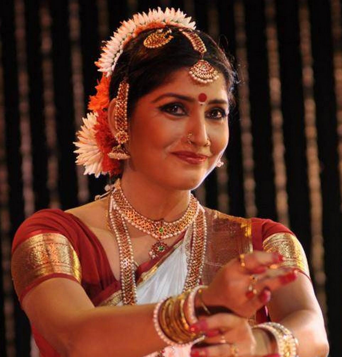Vijayalakshmi pics
