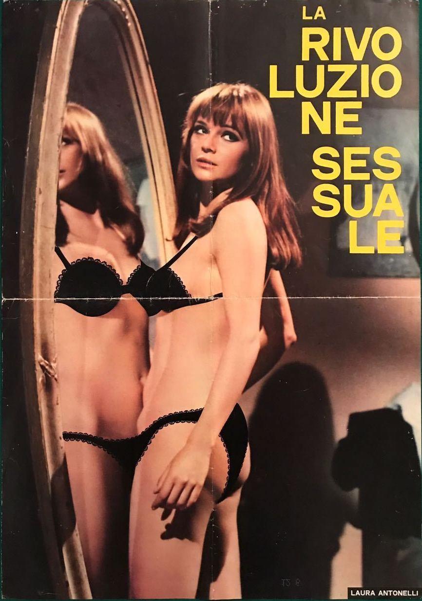 Laura Antonelli in La rivoluzione sessuale (1968)
