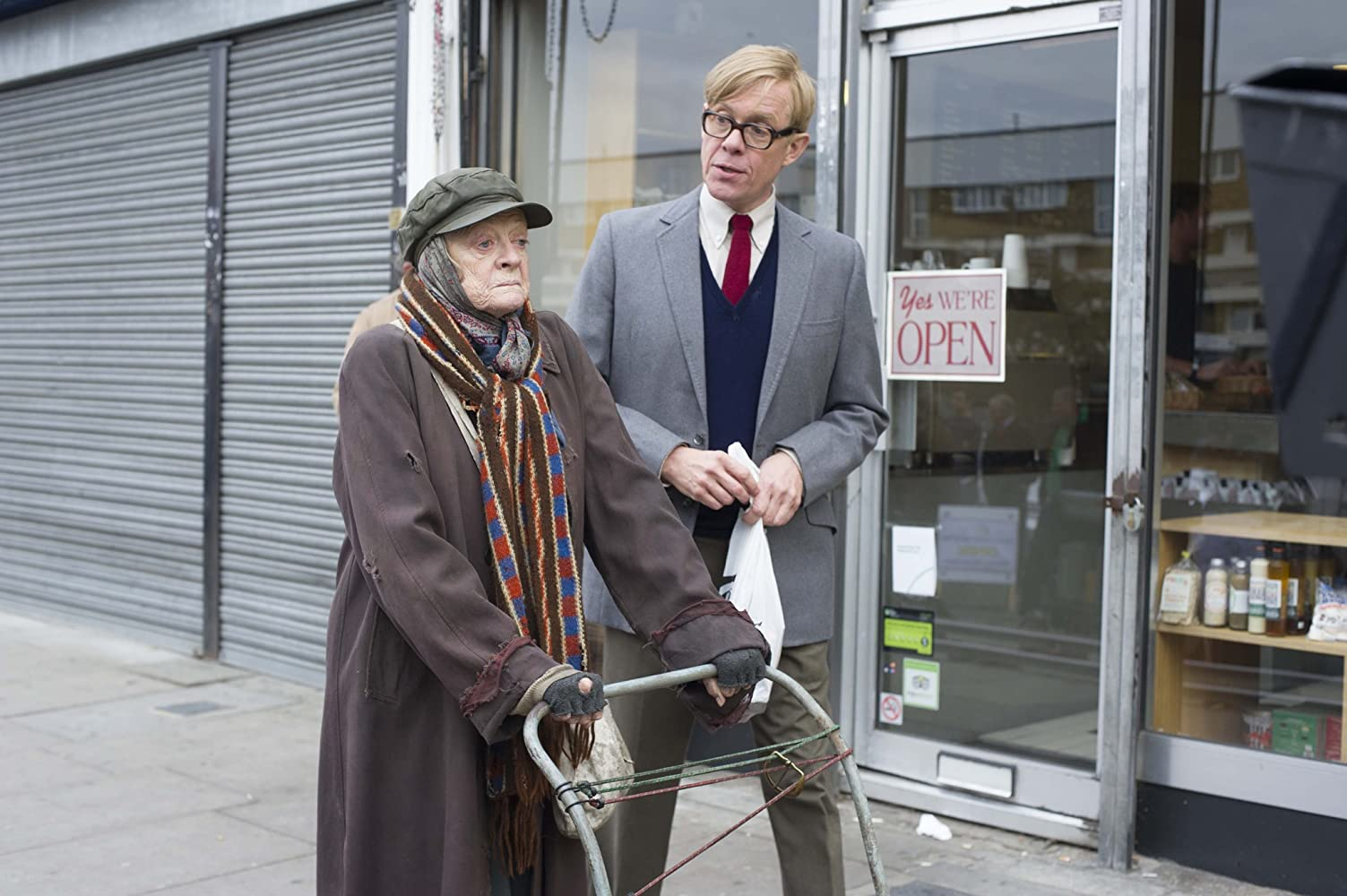Maggie Smith and Alex Jennings in The Lady in the Van (2015)