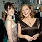 Kathleen Turner and Anne Hathaway at an event for The 59th Annual Tony Awards (2005)