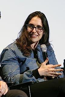 Megan Amram Picture
