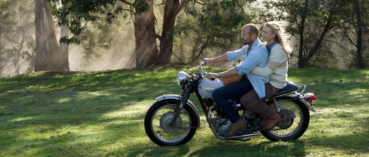 Jason Statham and Yvonne Strahovski in Killer Elite (2011)