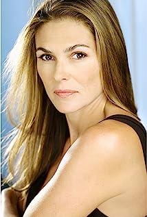 Paige Turco Picture