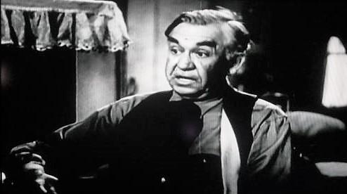 Slim Whitaker in Overland Riders (1946)