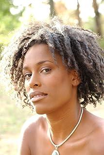 Sandra Nkake Picture