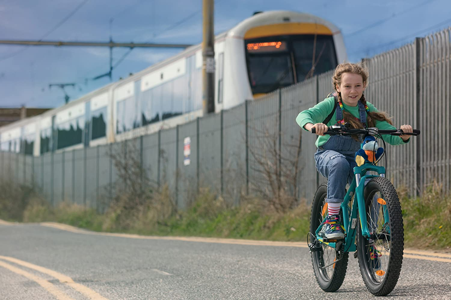 Maisie Thorn in The Bicycle Thief (2018)