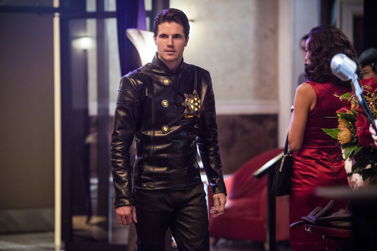 Robbie Amell in The Flash 2014