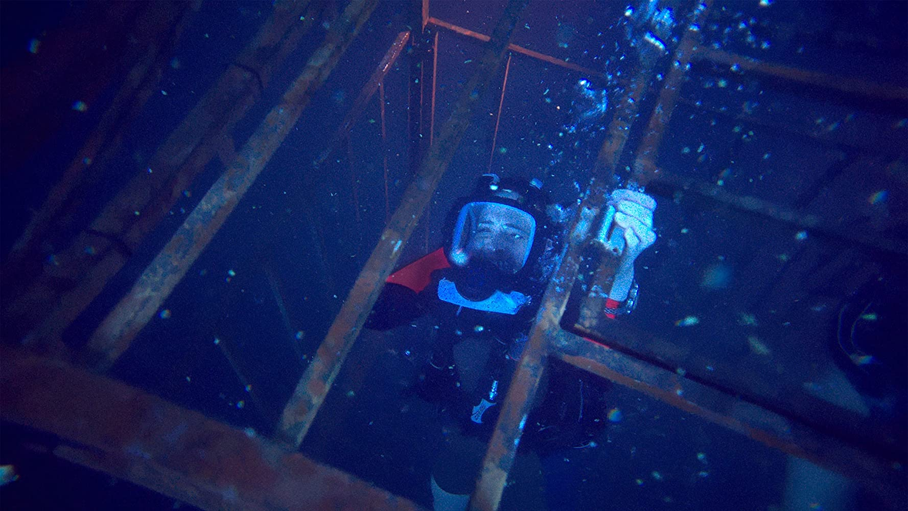 Mandy Moore in 47 Meters Down (2017)