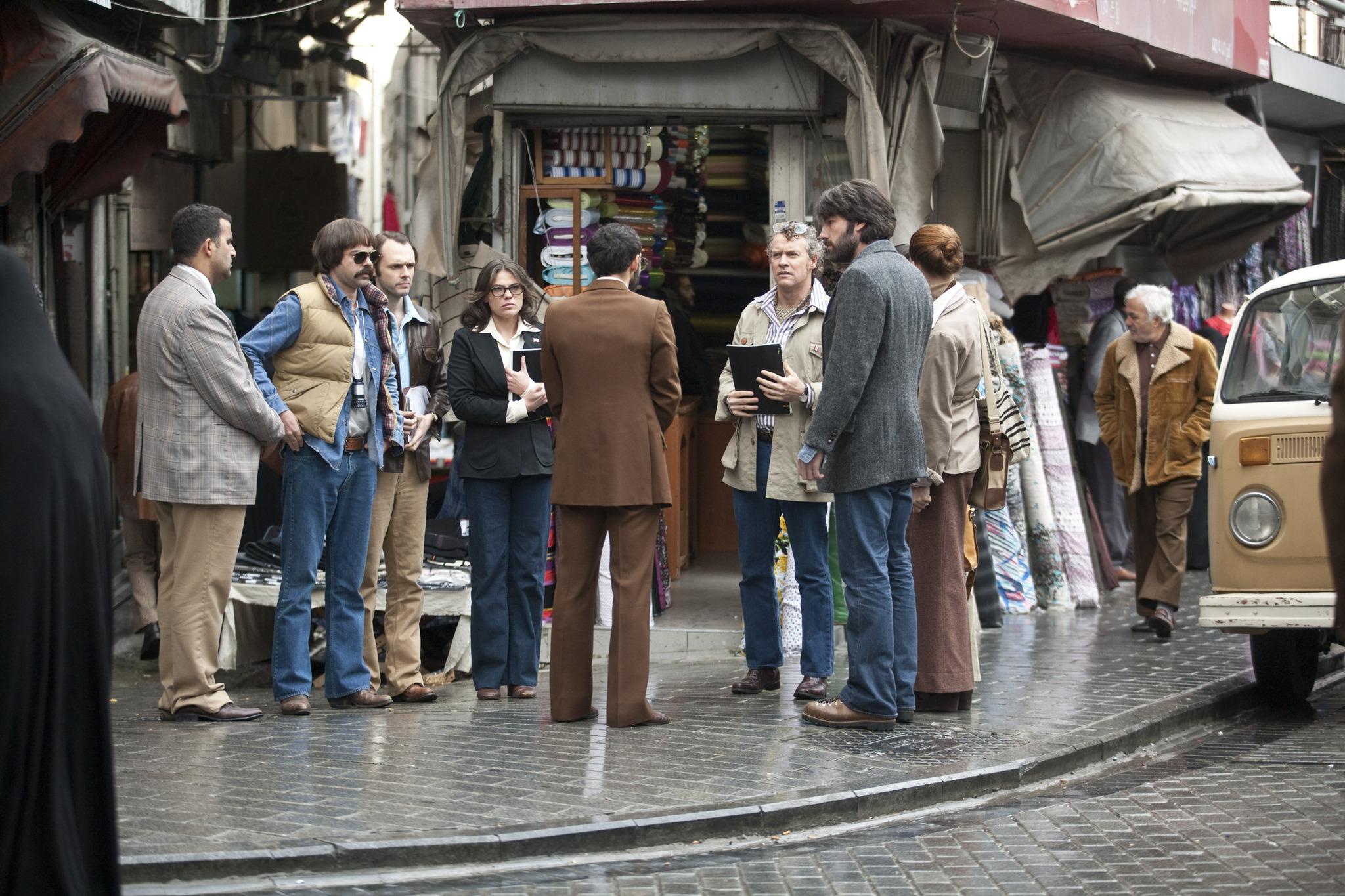 Ben Affleck, Tate Donovan, Rory Cochrane, Clea DuVall, and Christopher Denham in Argo (2012)